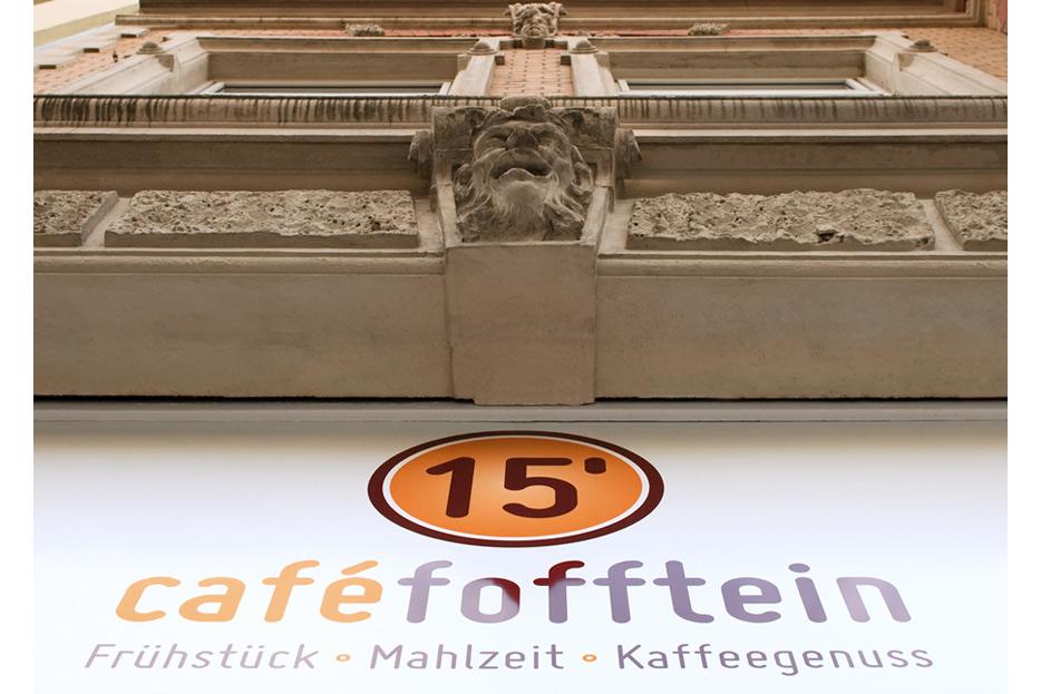 Außenwerbung café fofftein in der Oststadt Hannover gestaltet von stefanie lombert : grafikdesign Hannover