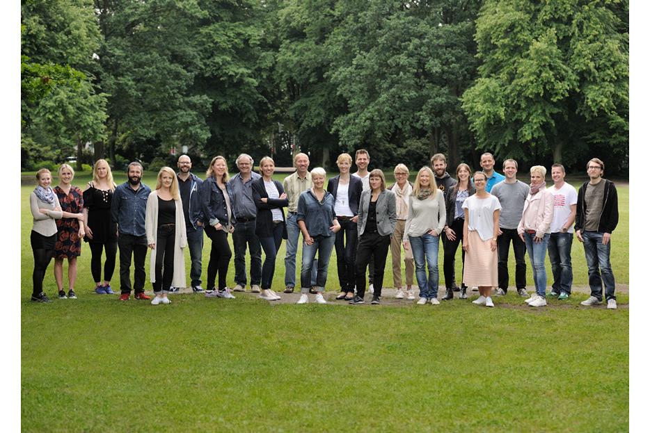 Bildmontage für Teamfoto 2 des dänischen Ferienhausanbieters fejo.dk von stefanie lombert : grafikdesign Hannover
