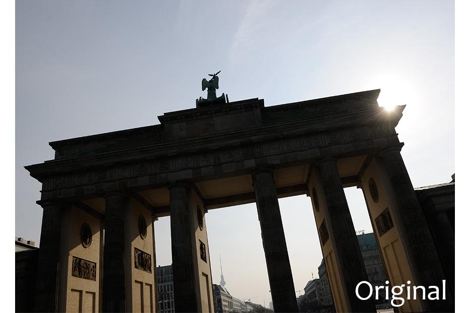 Originalaufnahme vor Bildbearbeitung Brandenburger Tor im Gegenlicht für den Geschäftsbericht 2015 Francotyp-Postalia von stefanie lombert : grafikdesign Hannover
