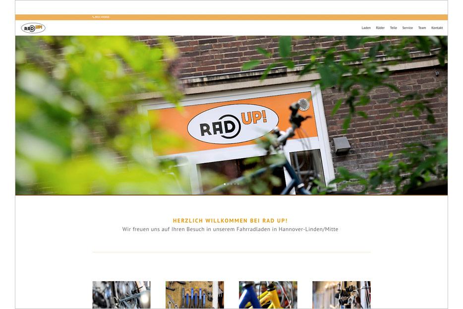 Startseite des Internetauftritts des Fahrradladens RRA UP! aus Hannover-Linden gestaltet von stefanie lombert : grafikdesign Hannover
