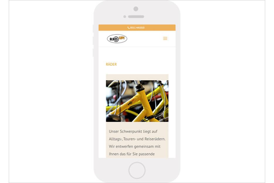 """Mobile Unterseite """"Räder"""" des Internetauftritts des Fahrradladens RRA UP! aus Hannover-Linden gestaltet von stefanie lombert : grafikdesign Hannover"""