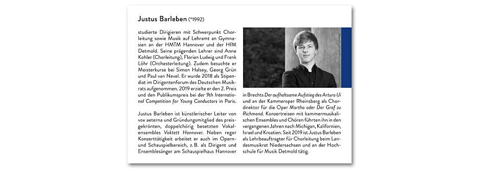 """Innenseite """"Justus Barleben"""" des Konzerfolders 2020 des 16-stimmigen Vokalensembles vox aeterna aus Hannover, gestaltet von stefanie lombert : grafikdesign"""