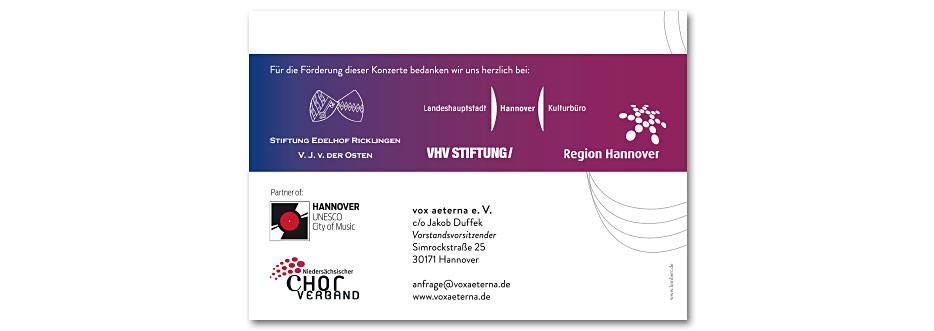 Rückseite des Konzerfolders 2020 des 16-stimmigen Vokalensembles vox aeterna aus Hannover, gestaltet von stefanie lombert : grafikdesign