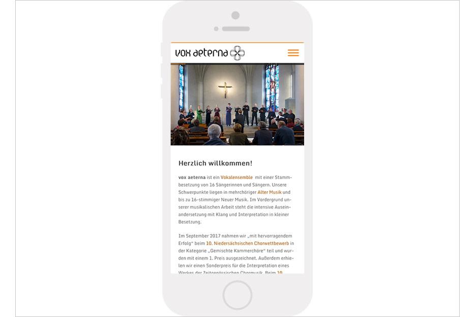 Mobile Starseite des Internetauftritts von vox aeterna, 16-stimmiges Vokalensemble aus Hannover, gestaltet von stefanie lombert : grafikdesign