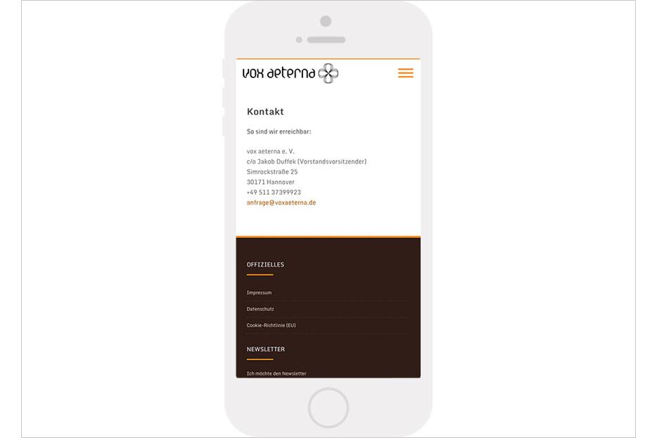 """Mobile Unterseite """"Kontakt"""" des Internetauftritts von vox aeterna, 16-stimmiges Vokalensemble aus Hannover, gestaltet von stefanie lombert : grafikdesign"""