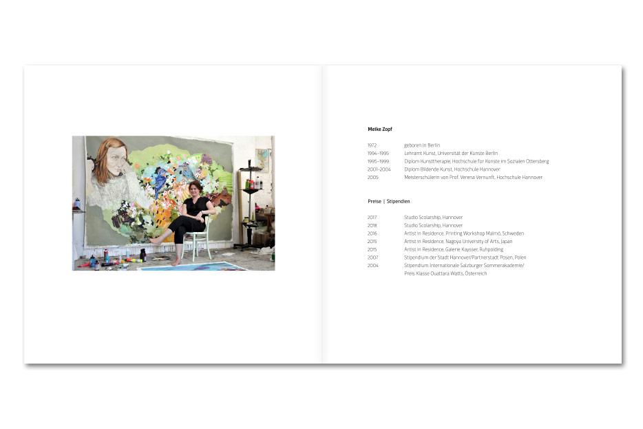"""Doppelseite mit Portrait der Künstlerin Meike Zopf des Ausstellungskataloges """"love love love"""""""